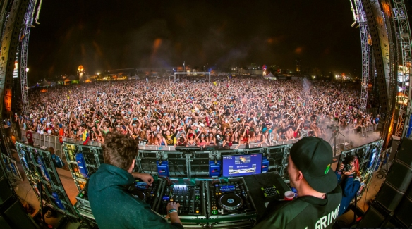 _Baauer-and-RL-Grime-@-Hard-Day-of-the-Dead-WEB